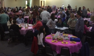 TriviaNight_2015_crowd